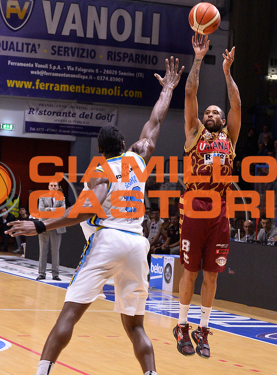 DESCRIZIONE : Beko Legabasket Serie A 2015- 2016 Vanoli Cremona - Umana Reyer Venezia<br /> GIOCATORE : Jarrius Jackson<br /> CATEGORIA : tiro three points<br /> SQUADRA : Umana Reyer Venezia<br /> EVENTO : Beko Legabasket Serie A 2015-2016<br /> GARA : Vanoli Cremona - Umana Reyer Venezia<br /> DATA : 07/02/2016<br /> SPORT : Pallacanestro <br /> AUTORE : Agenzia Ciamillo-Castoria/R.Morgano