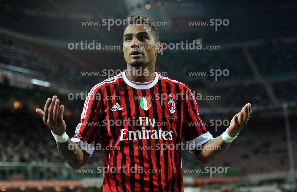 17.12.2011, Stadion Giuseppe Meazza, Mailand, ITA, Serie A, AC Mailand vs AC Siena, 16. Spieltag, im Bild Kevin Prince BOATENG (Milan) // during the football match of Italian 'Serie A' league, 16th round, between AC Mailand and AC Siena at Stadium Giuseppe Meazza, Milan, Italy on 2011/12/17. EXPA Pictures © 2011, PhotoCredit: EXPA/ Insidefoto/ Alessandro Sabattini..***** ATTENTION - for AUT, SLO, CRO, SRB, SUI and SWE only *****