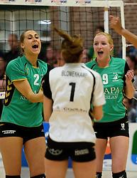 12-04-2014 NED: Finale vv Alterno - Sliedrecht Sport, Apeldoorn<br /> Alterno pakt het kampioenschap door Sliedrecht voor de derde maal te verslaan / Heleen Hesselink, Linda te Molder