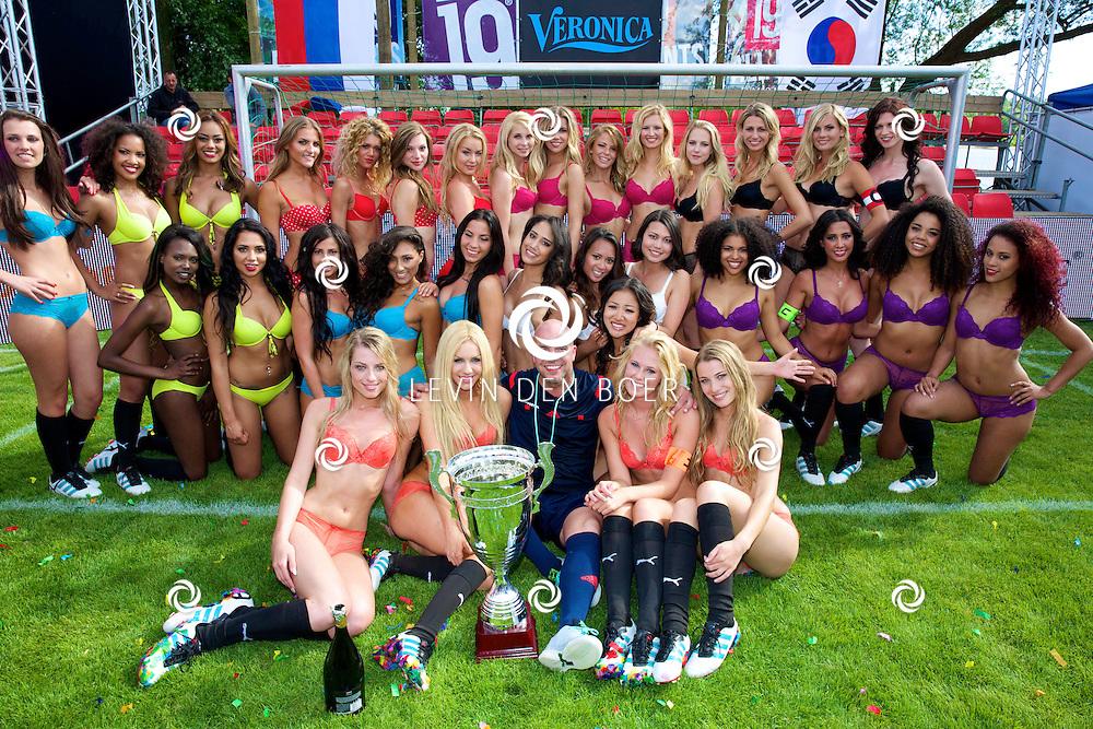 MAURIK - De opnames van het WK Lingerie voetbal door Veronica. FOTO LEVIN DEN BOER - PERSFOTO.NU