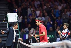 21.11.2014, Stade Pierre Mauroy, Lille, FRA, Davis Cup Finale, Frankreich vs Schweiz, im Bild Roger Federer (SUI) beschwert sich bei Schiedsrichter James Keothavong (R) Captain Arnaud Clement (FRA) // during the Davis Cup Final between France and Switzerland at the Stade Pierre Mauroy in Lille, France on 2014/11/21. EXPA Pictures © 2014, PhotoCredit: EXPA/ Freshfocus/ Valeriano Di Domenico<br /> <br /> *****ATTENTION - for AUT, SLO, CRO, SRB, BIH, MAZ only*****