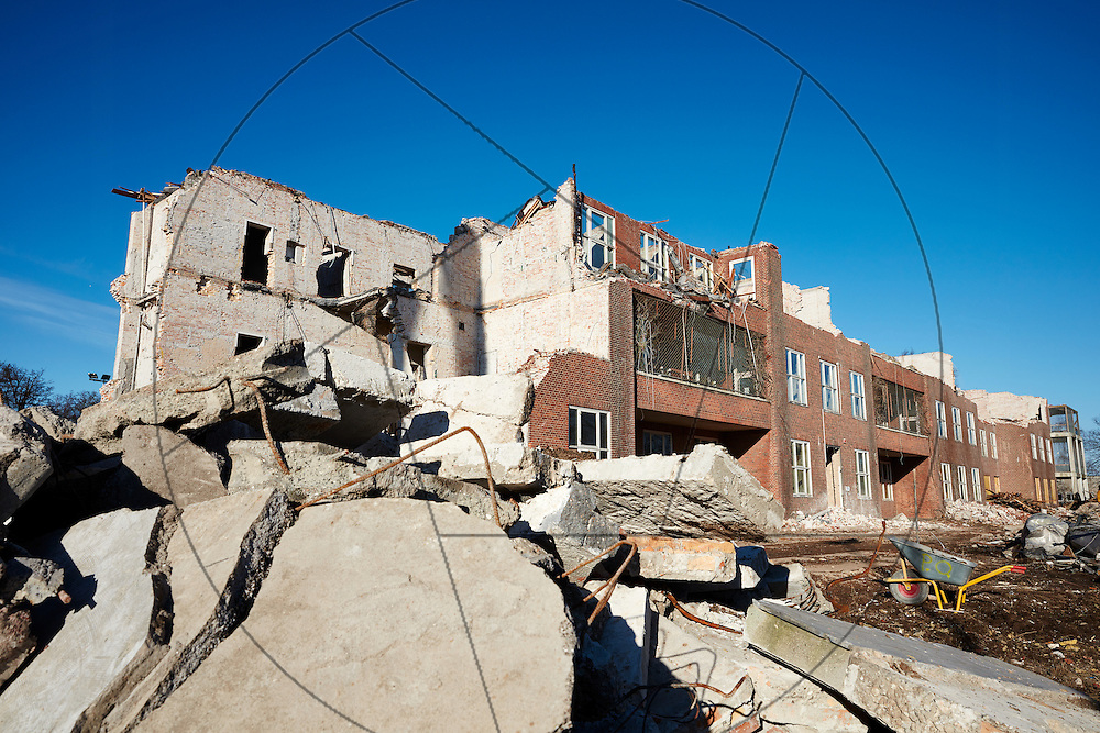 nedrivning af tidligere psykiatrisk afdeling på Bispebjerg Hospital, Bygning 13