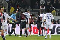 FOOTBALL - FRENCH CHAMPIONSHIP 2010/2011 - L1 - OLYMPIQUE LYONNAIS v PARIS SAINT GERMAIN - 28/11/2010 - PHOTO JEAN MARIE HERVIO / DPPI - RED CARD ALY CISSOKHO (OL) / FREDY FAUTREL (REF)