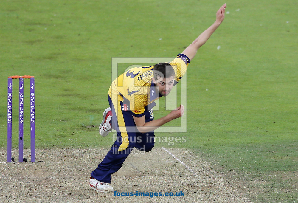 Mark Wood of Durham CCC bowling during the Royal London One Day Cup match at Emirates Riverside, Chester-le-Street<br /> Picture by Simon Moore/Focus Images Ltd 07807 671782<br /> 31/07/2016