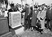20/08/1967<br /> 08/20/1967<br /> 20 August 1967<br /> Unveiling of Memorial to Thomas Ashe, Peadar Kearney and Piaras Béaslaí at Glasnevin Cemetery, Dublin. Viewing the memorial after the ceremony were (l-r): Mr. Gregory Ashe, youngest brother of Thomas Ashe (Foxrock, Dublin) with the sisters of Peadar Kearney, Mrs Margaret Bourke and Mrs Mary Slator. Behind the stone is Mr. Sean Kearney, a brother of Peadar Kearney.