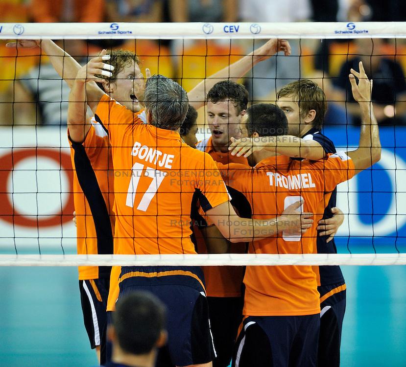 03-09-2011 VOLLEYBAL: PRE OKT NEDERLAND - ROEMENIE: EINDHOVEN<br /> (L-R) Kay van Dijk, Rob Bontje, Jeroen Rauwerdink, Jeroen Trommel<br /> &copy;2011-FotoHoogendoorn.nl