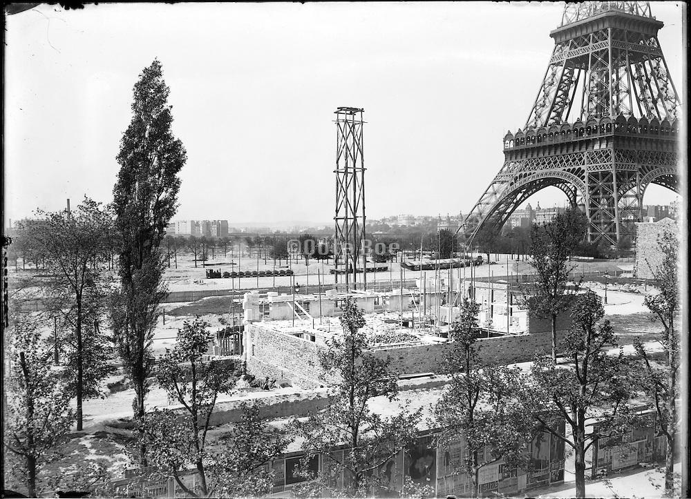 building of buildings near the Eiffel Tower for the Exposition Universelle de Paris 1900