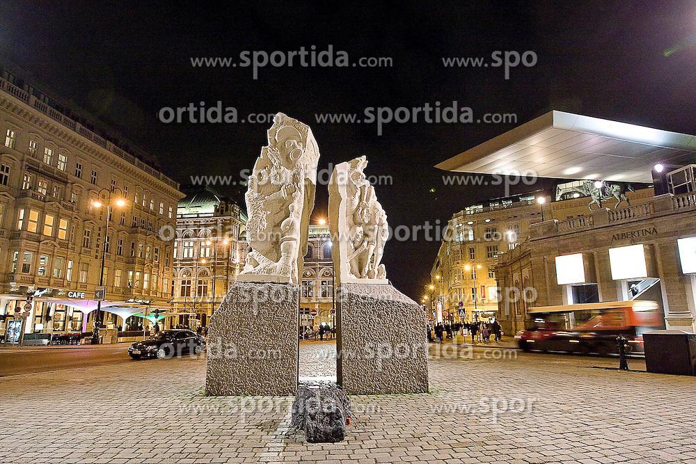 11.11.2010, Graz, AUT, Feature, im Bild das Friedensdenkmal von Alfred Hrdlicka vor der Albertina, EXPA Pictures © 2012, PhotoCredit: EXPA/ Erwin Scheriau