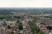 Uitzicht over Utrecht in zuidoostelijke richting, met links het Altrecht Willem Arntsz Huis.<br /> <br /> View over Utrecht in south eastern direction, with central the center for psychiatry Willem Arntsz Huis.