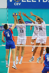 TRAVICA E FEI A MURO.ITALIA - SERBIA.PALLAVOLO TORNEO QUALIFICAZIONE OLIMPICA VOLLEY 2012.SOFIA (BULGARIA) 12-05-2012.FOTO GALBIATI - RUBIN