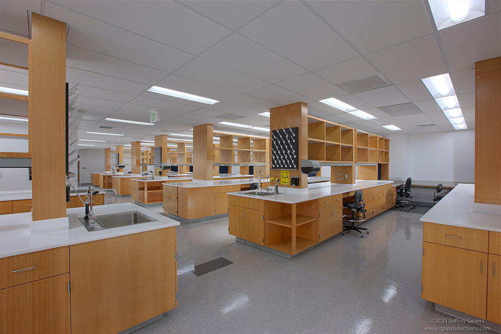 laboratory image of university of md baltimore mstf architectural