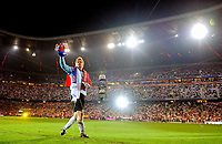 Fotball<br /> Bundesliga Tyskland<br /> 02.09.2008<br /> Foto: Witters/Digitalsport<br /> NORWAY ONLY<br /> <br /> Oliver Kahn bedankt sich bei seinem Publikum<br /> <br /> Abschiedsspiel Oliver Kahn Bayern München - Deutschland