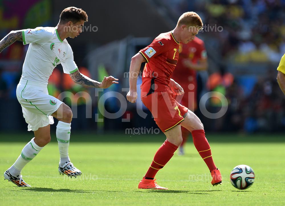 FUSSBALL WM 2014  VORRUNDE    Gruppe H     Belgien - Algerien                       17.06.2014 Saphir Taider (li, Algerien) gegen Kevin De Bruyne (re. Belgien)