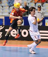 Fussball  International  FIFA  FUTSAL WM 2008   01.10.2008 Vorrunde Gruppe D Spain - Iran Spanien- Iran MARCELO (li. ESP) gegen Mohammad KESHAVARZ (IRN).
