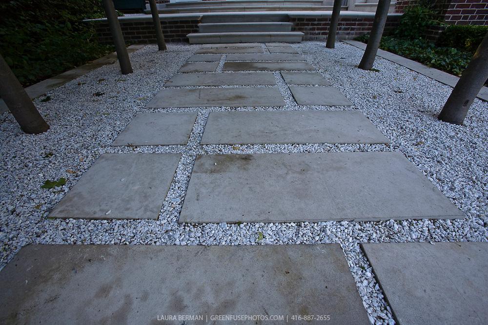 natural flagstone paving