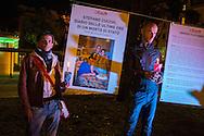 Roma, 08/11/2014: fiaccolata di fronte alla sede del CSM organizzata da ACAD - Associazione Contro Abusi in Divisa - e dai familiari di Stefano Cucchi.