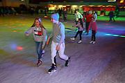 Mannheim. 03.11.17 | Eisdisco in der Eishalle.<br /> Neckarstadt. Leistungszentrum Eissport.<br /> Eisdisco in der Eislaufhalle.<br /> Zu Black, House 80er, 90er und aktuellen Charts über die Eisfläche tanzen, die neuesten Sprünge zeigen oder einfach Freunde treffen und mit ihnen Runden zu tollen Lichteffekten drehen.<br /> <br /> <br /> BILD- ID 22209 |<br /> Bild: Markus Prosswitz 03NOV17 / masterpress (Bild ist honorarpflichtig - No Model Release!)