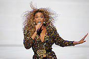 26.JUNE.2011. GLASTONBURY<br /> <br /> AMERICAN R&B SINGER BEYONCE HEADLINING ON THE PYRAMID STAGE AT THE GLASTONBURY MUSIC FESTIVAL 2011.<br /> <br /> BYLINE: EDBIMAGEARCHIVE.COM<br /> <br /> *THIS IMAGE IS STRICTLY FOR UK NEWSPAPERS AND MAGAZINES ONLY*<br /> *FOR WORLD WIDE SALES AND WEB USE PLEASE CONTACT EDBIMAGEARCHIVE - 0208 954 5968*