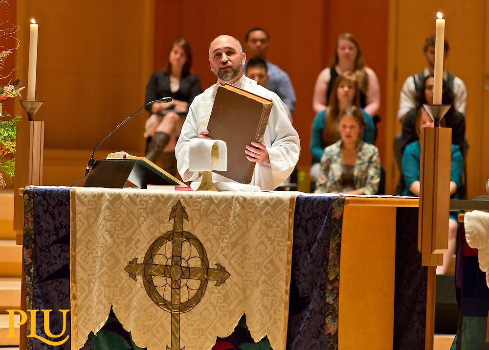 Homecoming 2014 service with Ivar Hillesland '02 preaching in Lagerquist Hall at PLU on Sunday, Oct. 5, 2014. (PLU Photo/John Froschauer)