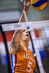 24-08-2017 NED: World Qualifications Netherlands - Czech Republic, Rotterdam<br /> Robin de Kruijf #5 of Netherlands