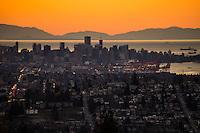 Vancouver Skyline & Vancouver Island (horizon) @ Sunset