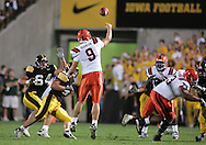 08 SEPTEMBER 2007: Syracuse quarterback Andrew Robinson (9) passes the ball in Iowa's 35-0 win over Syracuse at Kinnick Stadium in Iowa City, Iowa on September 8, 2007.
