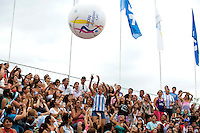 TUCUMAN  Argentinie - Promobal voor het WK in Den Haag , Let's Celebrate Hockey, gaat rond in het stadion tijdens de finaleronde van de Hockey World League voor vrouwen. ANP KOEN SUYK