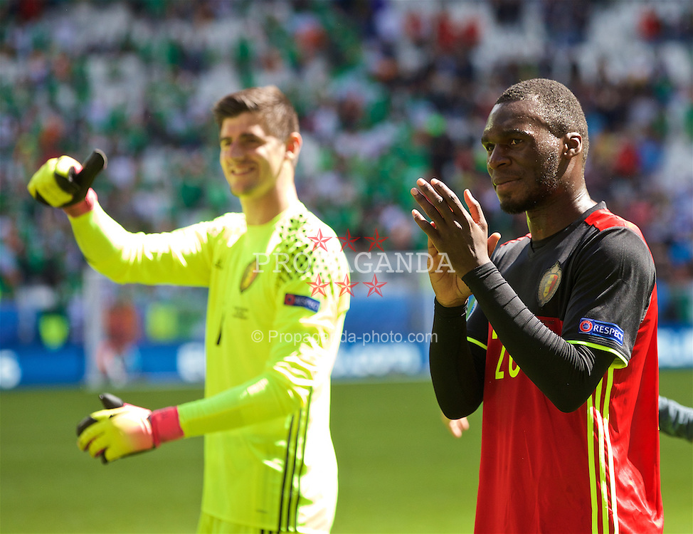 BORDEAUX, FRANCE- Saturday, June 18, 2016: Christian Benteke applauds supporters after the UEFA Euro 2016 Championship Group E match against the Republic of Ireland at Stade de Bordeaux. Belgium goalkeeper Thibaut Courtois (Pic by Paul Greenwood/Propaganda)