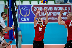 23-05-2017 NED: 2018 FIVB Volleyball World Championship qualification, Koog aan de Zaan<br /> Moldavi&euml; - Griekenland / Marin Lescov #10