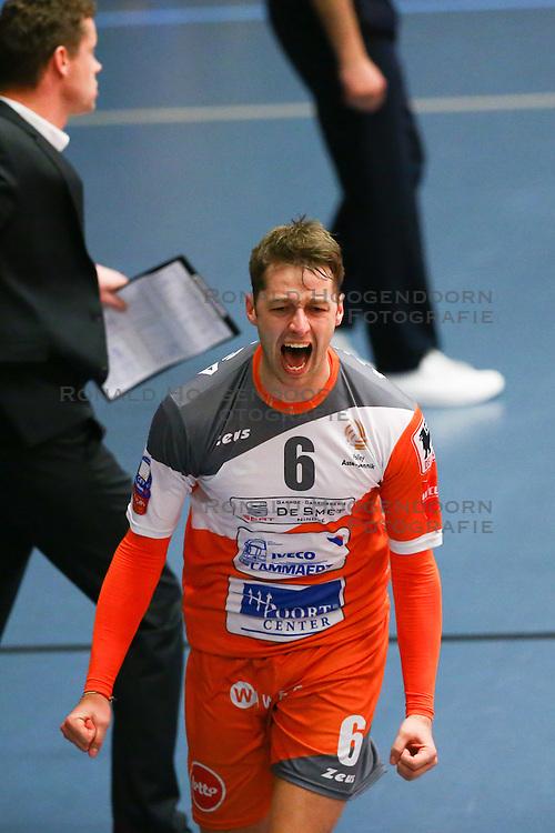 20160402 BEL: Volleybal: Volley Lindemans Asse Lennik - Noliko Maaseik, Zellik  <br />Robbert Andringa viert de 1ste setwinst