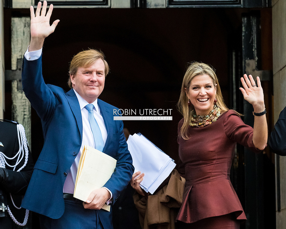 8-12-2016 AMSTERDAM - King Willem Alexander and Queen Maxima, Patron of the Foundation, has, Thursday December 8, 2016 presented at the Royal Palace in Amsterdam, the Erasmus Prize from the British writer A.S. Byatt. The prize this year has the theme 'Life Writing' includes a hot topic within the literature, biographies, autobiographies and historical novels. COPYRIGHT ROBIN UTRECHT<br /> <br /> 8-12-2016 AMSTERDAM - Koning Willem Alexander en koningin Maxima en prinses beatrix  , Regent van de Stichting Praemium Erasmianum, reikt donderdagmiddag 8 december 2016 in het Koninklijk Paleis Amsterdam de Erasmusprijs uit aan de Britse schrijfster A.S. Byatt. De Erasmusprijs heeft dit jaar als thema 'Life Writing', een actueel onderwerp binnen de literatuur dat biografieën, autobiografieën en historische romans omvat. COPYRIGHT ROBIN UTRECHT