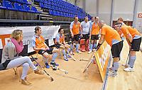 ROTTERDAM -  Groningen D2 tijdens het Landskampioenschap reserveteam zaal 2013. links Willemijn Bos.FOTO KOEN SUYK