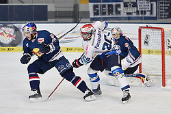 06.01.2015, Olympia-Eisstadion, Muenchen, GER, DEL, EHC Red Bull M&uuml;nchen vs Schwenninger Wild Wings, 36. Runde, im Bild Florian Kettemer (EHC Red Bull Muenchen), Daniel Hacker (Schwenninger Wild Wings), Niklas Treutle, Torhueter (EHC Red Bull Muenchen), v.li. Aktion, // during Germans DEL Icehockey League 36th round match between EHC Red Bull M&uuml;nchen and  Schwenninger Wild Wings at the Olympia-Eisstadion in Muenchen, Germany on 2015/01/06. EXPA Pictures &copy; 2015, PhotoCredit: EXPA/ Eibner-Pressefoto/ Buthmann<br /> <br /> *****ATTENTION - OUT of GER*****