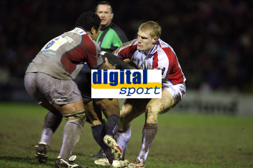 Photo: Rich Eaton.<br /> <br /> Sale Sharks v Bristol Rugby. Guinness Premiership. 01/01/2007. Lee Robinson right of Bristol tackles Jason Robinson of Sale