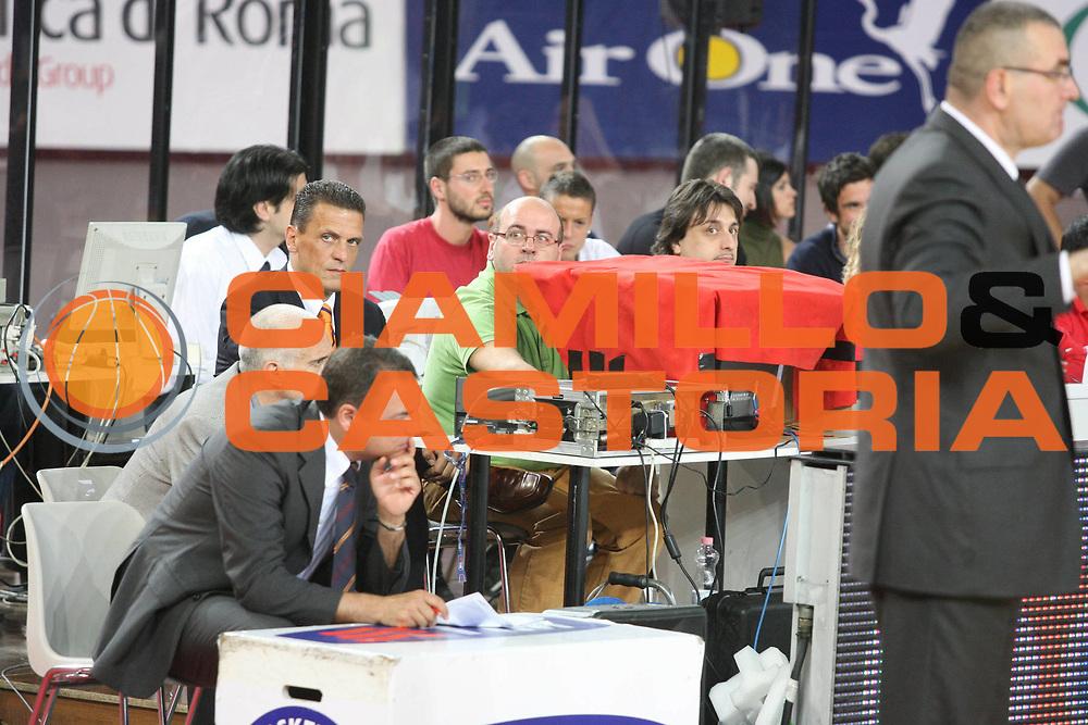 DESCRIZIONE : Roma Lega A1 2007-08 Playoff Semifinale Gara 3 Lottomatica Virtus Roma Air Avellino<br /> GIOCATORE : Sky Tavolo Instant Replay<br /> SQUADRA : Sky<br /> EVENTO : Campionato Lega A1 2007-2008 <br /> GARA : Lottomatica Virtus Roma Air Avellino<br /> DATA : 27/05/2008 <br /> CATEGORIA : <br /> SPORT : Pallacanestro <br /> AUTORE : Agenzia Ciamillo-Castoria/G.Ciamillo