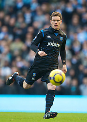 MANCHESTER, ENGLAND - Sunday, January 31, 2010: Portsmouth's Steve Finnan in action against Manchester City during the Premiership match at the City of Manchester Stadium. (Photo by David Rawcliffe/Propaganda)
