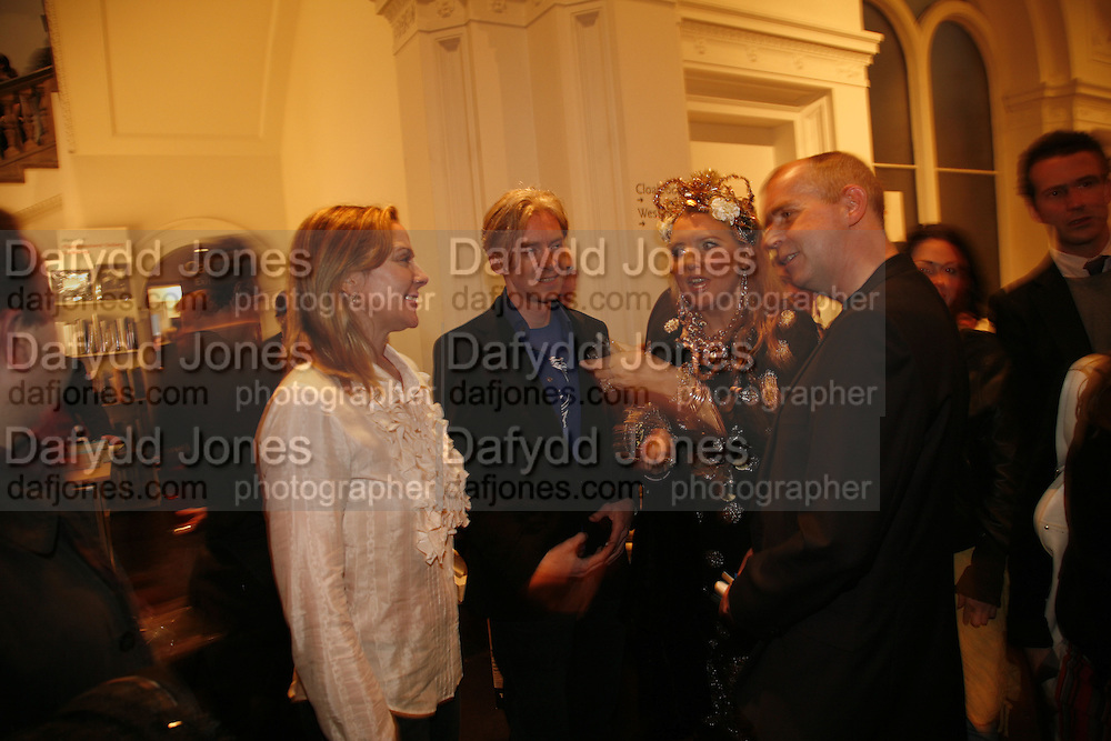 KIM CATTRELL, PHILIP TREACY, KATRINE BOORMAN AND NEIL TENNANT.  Opening of Photo-London, Burlington Gdns. London. 17 May 2006. ONE TIME USE ONLY - DO NOT ARCHIVE  © Copyright Photograph by Dafydd Jones 66 Stockwell Park Rd. London SW9 0DA Tel 020 7733 0108 www.dafjones.com