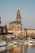 Hofkirche (Kathedrale), Elbe Dampfer Weiße Flotte, Elbpanorama, Dresden, Sachsen, Deutschland | cathedral, steamers White Fleet, Elbe, Dresden, Saxony, Germany,
