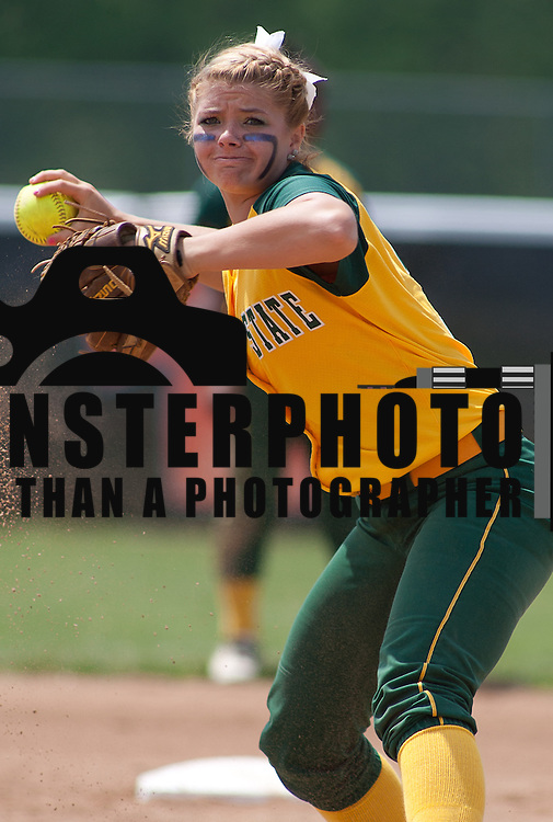 04/21/12 Dover Del. Norfolk State Alina Moriarty #3 fields the ball in the first inning of a NCAA Softball game against Delaware State Saturday, April. 21, 2012 at The Hornets Nest in Dover Del.<br />