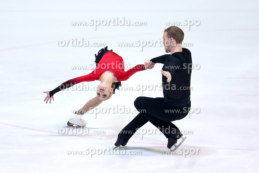 03.12.2015, Dom Sportova, Zagreb, CRO, ISU, Golden Spin of Zagreb, Kurzprogramm, Paare, im Bild Tarah Kayne - Daniel O Shea, USA // during the 48th Golden Spin of Zagreb 2015 Pairs Short Program of ISU at the Dom Sportova in Zagreb, Croatia on 2015/12/03. EXPA Pictures &copy; 2015, PhotoCredit: EXPA/ Pixsell/ Igor Kralj<br /> <br /> *****ATTENTION - for AUT, SLO, SUI, SWE, ITA, FRA only*****