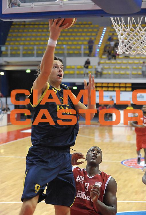 DESCRIZIONE : Biella II Torneo Memorial Gontero Lega A 2011-12 Fabi Shoes Montegranaro Cimberio Varese<br /> GIOCATORE : Michele Antonutti<br /> SQUADRA : Fabi Shoes Montegranaro<br /> EVENTO : Campionato Lega A 2011-2012 <br /> GARA :Fabi Shoes Montegranaro Cimberio Varese<br /> DATA : 17/09/2011<br /> CATEGORIA : penetrazione Tiro<br /> SPORT : Pallacanestro <br /> AUTORE : Agenzia Ciamillo-Castoria/ L.Goria<br /> Galleria : Lega Basket A 2011-2012 <br /> Fotonotizia : Biella II Torneo Memorial Gontero Lega A 2010-11 Fabi Shoes Montegranaro Cimberio Varese<br /> Predefinita :
