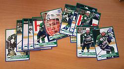 IC Gentofte<br /> <br /> Officielle Danske Hockey Trading Card. <br /> <br /> 1998-1999 Komplet Danske Ishockey Kort 228 stk.<br /> <br /> 71. Christian De Brass<br /> 72. Mikkel Lund<br /> 73. Rasmus Åradsson<br /> 74. Peter Hjort<br /> 75. Morten Ahlberg<br /> 76. Steen Bengtson<br /> 77. Andreas Mattsson<br /> 78. Brian Holse<br /> 79. Jeppe Ahlberg<br /> 80. Alexander Sundberg<br /> 81. Rasmus Olsen<br /> 82. Poul B. Andersen<br /> 83. Simon Petersen<br /> 84. Carsten Esmark<br /> 85. Miikka Yiemonen<br /> 86. Jesper Maribo<br /> 87. Christian Tauson<br /> 88. Dennis Olsson<br /> 89. André Clausen<br /> <br /> Begrænset komplet sæt på lager. Kontakt: mail@nhcfoto.dk eller tlf. 40277826