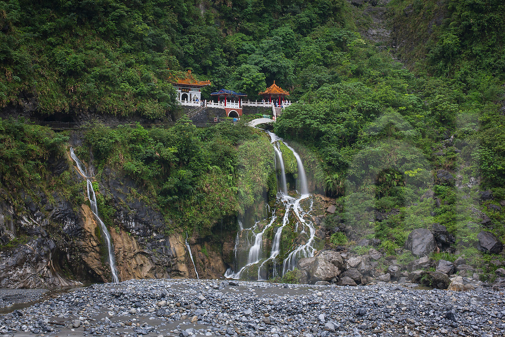 Eternal Spring Shine, Changuang Temple at Taroko Gorge, near Hualien, Taiwan, Republic of China, Asia