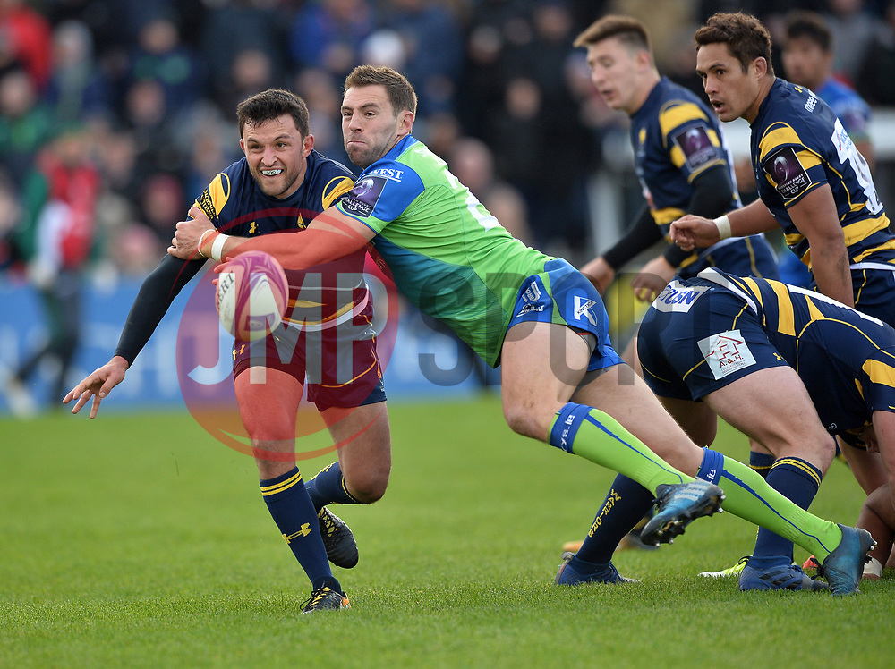 Connacht v Worcester Warriors 211017<br /> <br /> Jonny Arr of Worcester Warriors is challenged by Craig Ronaldson of Connacht - Mandatory by-line: Ray Ryan/JMP - 21/10/2017 - RUGBY - Sportsground - Galway, Ireland - Connacht v Worcester Warriors  - European Challenge Cup