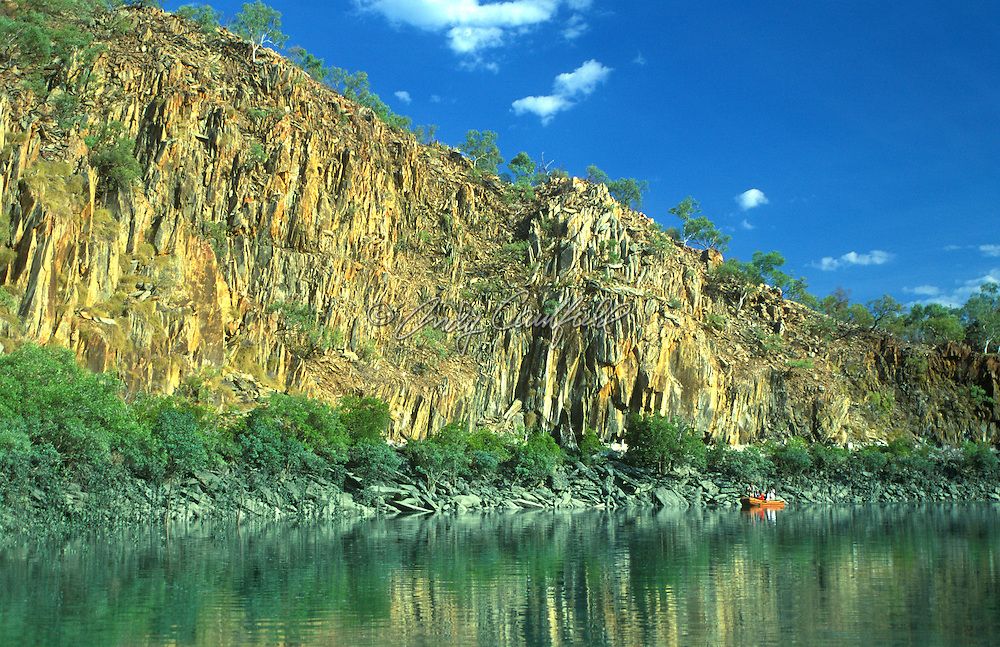 Adventure travelers view signs of tidal flows of the Kimberley coast from a Zodiac raft, W. AUSTRALIA