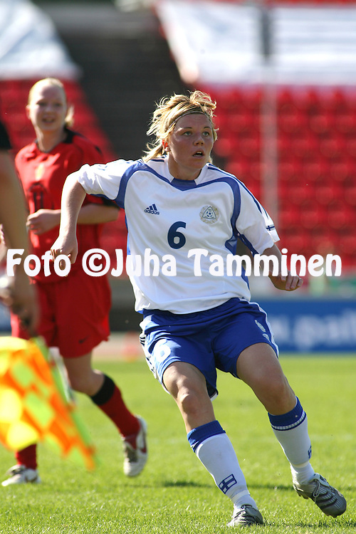 06.05.2006, Ratina, Tampere, Finland..Naisten MM-karsintaottelu Suomi - Belgia / FIFA Women's World Cup Qualifying match, Finland v Belgium..Eveliina Sarap?? - Finland.©Juha Tamminen.....ARK:k