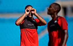 CHARLOTTE, USA - Saturday, July 21, 2018: Liverpool's Virgil van Dijk makes a binocular gesture with his hands during a training session at the Bank of America Stadium ahead of a preseason International Champions Cup match between Borussia Dortmund and Liverpool FC. (Pic by David Rawcliffe/Propaganda)