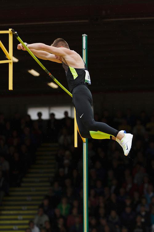 men's pole vault, Scott Roth