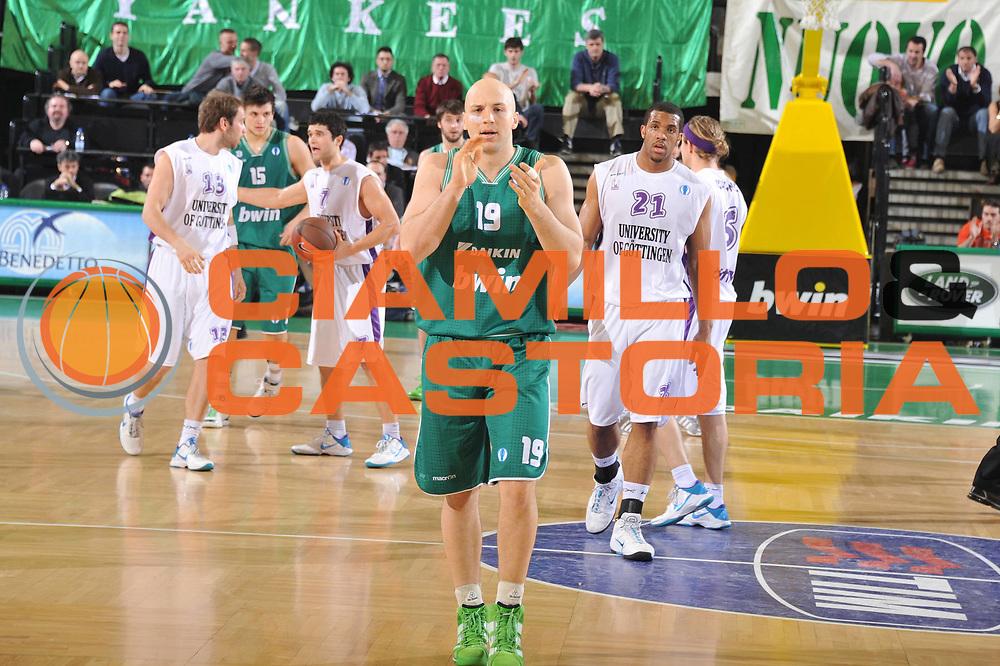 DESCRIZIONE : Treviso Lega A 2010-11 Eurocup Qualifyng Round BWIN Benetton Treviso BG Goettingen<br /> GIOCATORE : Greg Brunner<br /> SQUADRA : BWIN Benetton Treviso BG Goettingen<br /> EVENTO : Campionato Lega A 2010-2011 <br /> GARA : BWIN Benetton Treviso BG Goettingen<br /> DATA : 30/03/2011<br /> CATEGORIA : Esultanza<br /> SPORT : Pallacanestro <br /> AUTORE : Agenzia Ciamillo-Castoria/M.Gregolin<br /> Galleria : Lega Basket A 2010-2011 <br /> Fotonotizia : Treviso Lega A 2010-11 Eurocup Qualifyng Round BWIN Benetton Treviso BG Goettingen<br /> Predefinita :