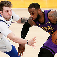 11-30 DALLAS MAVERICKS AT LA LAKERS